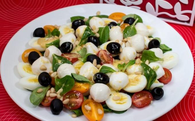 Салат из переплиных яиц