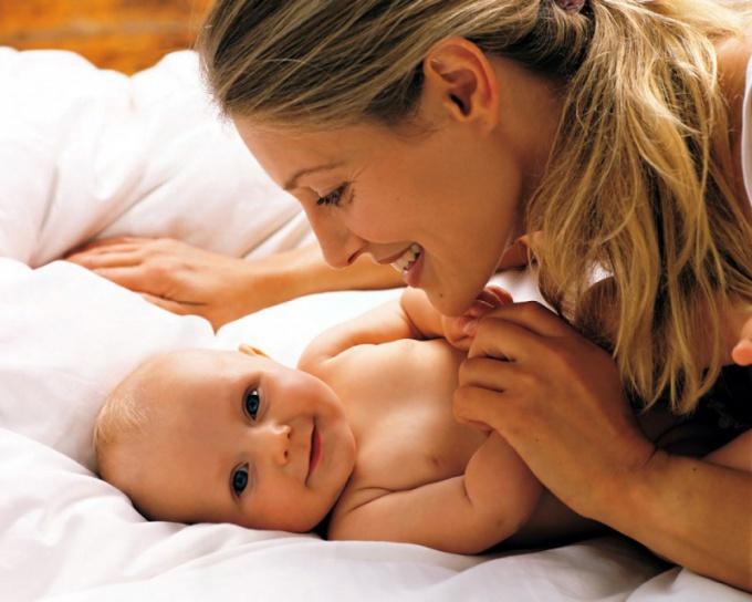 Как обработать носик новорожденному