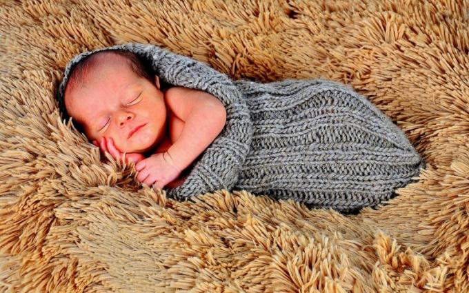 В первый месяц жизни ребенка особое внимание следует уделять заживлению его пупочной ранки