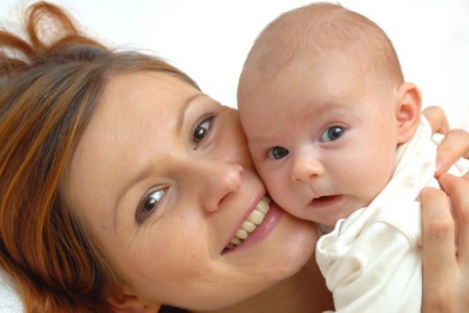 Какими лекарствами можно обрабатывать нос новорожденного