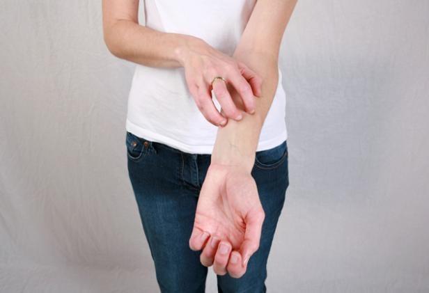 Как лечить чесотку у человека