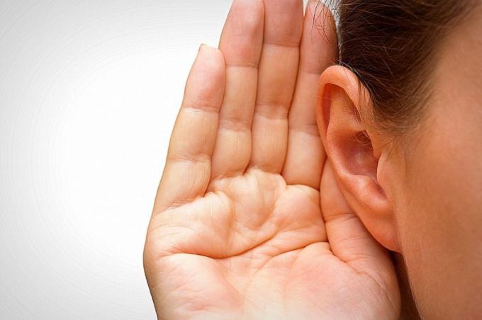 Не всегда ухудшение слуха необратимо, зачастую его можно улучшить