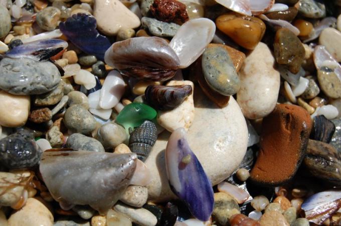 Почему камни меняют цвета