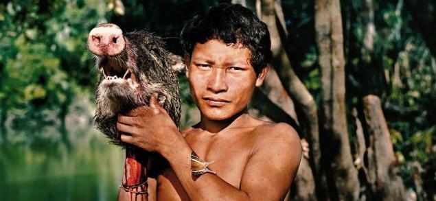 Этот подросток с острова Барнео возможно уже каннибал