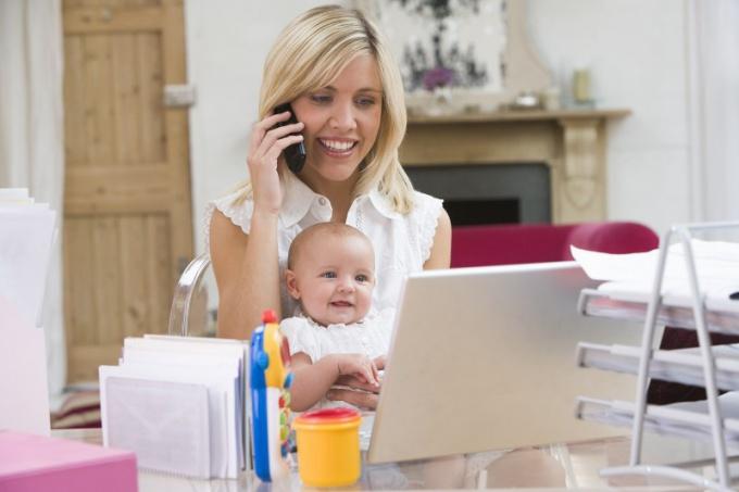 Подработку в декрете лучше найти еще во время беременности