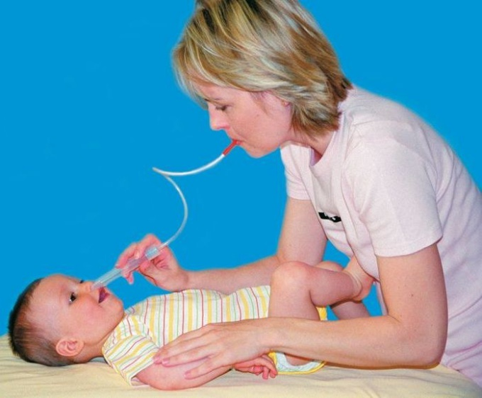 Как лечить насморк у младенца