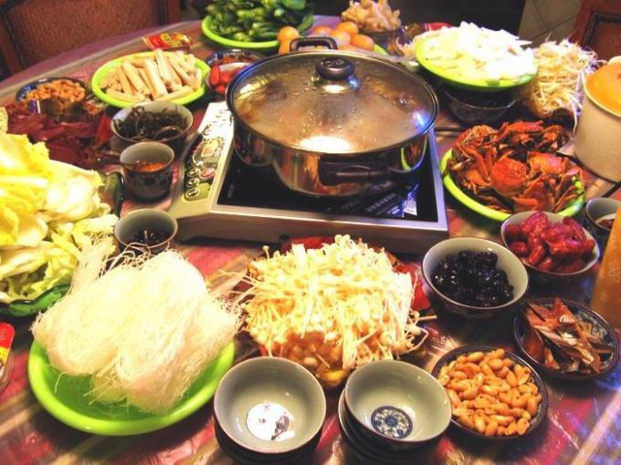 http://vickyxuan.files.wordpress.com/2010/10/chinese-hot-pot-1001.jpg