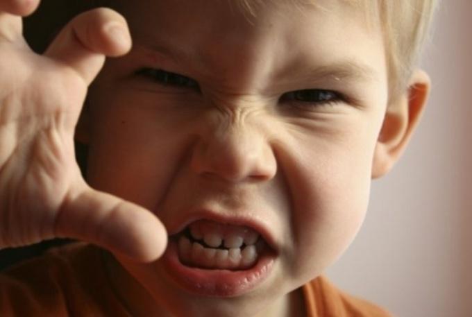 Проявление эмоций у ребенка