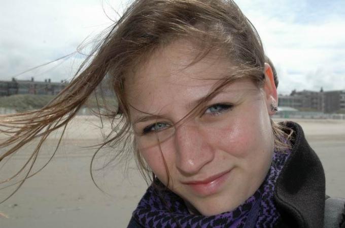 http://www.freeimages.com/pic/l/l/li/liannelaan/1183984_38528733.jpg