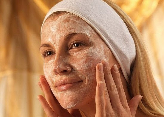 How to choose a face scrub