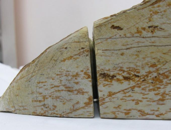 Распиленый камень
