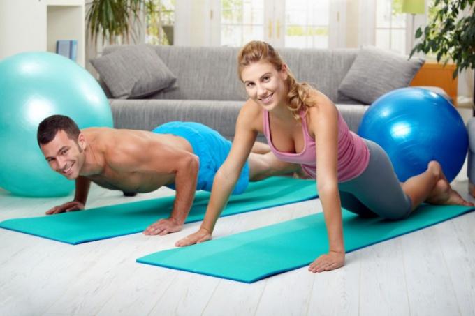 Какие мышцы работают при отжиманиях