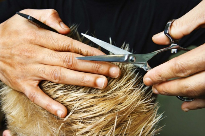Как стать мужским парикмахером