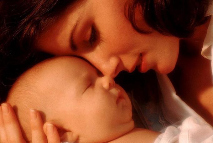 Чтобы ребенок родился здоровым, еще до его зачатия мать должна провести санацию своего организма