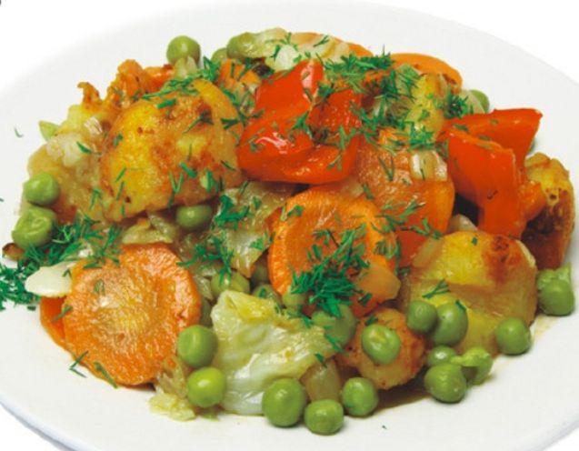 Аппетитное овощное рагу в сливочно-соевом соусе