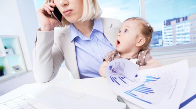 Карьера и ребёнок: что важнее для успешной женщины? Карьера или семья? Отношения с детьми