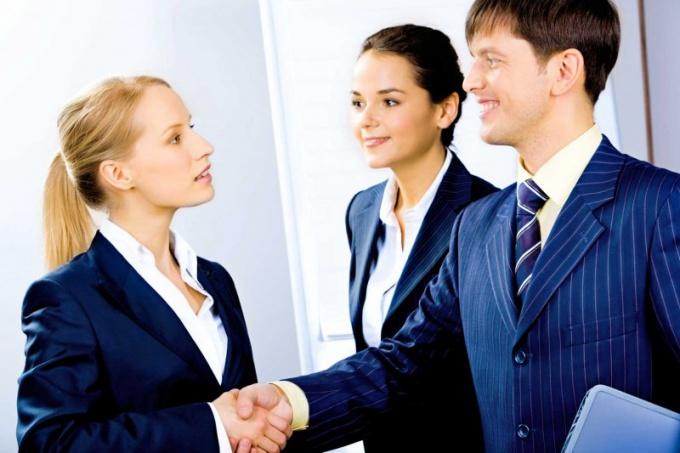 Деятельность менеджера по продажам зависит также от сферы, в которой компания работает