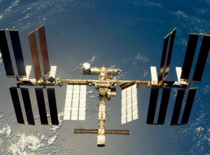 МКС видна с Земли как протяженный объект