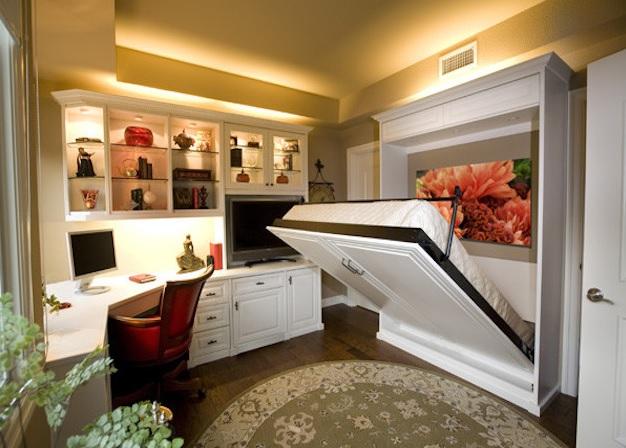 Экономия пространства: кровать в нише