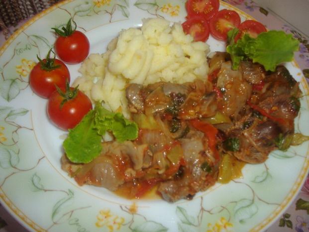 Как приготовить куриные желудочки с беконом