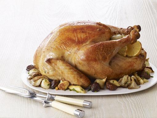 Запеченная курица с каштанами