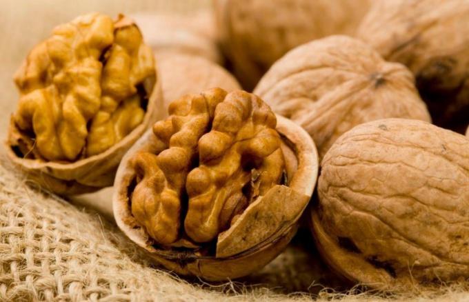 Как настаивать перегородки ореха