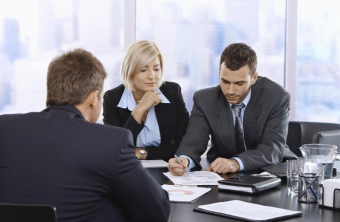 Как должен вести себя переводчик на переговорах