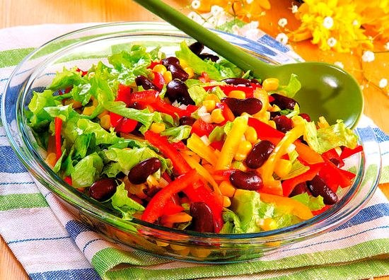 Салат с разноцветным перцем - украшение стола