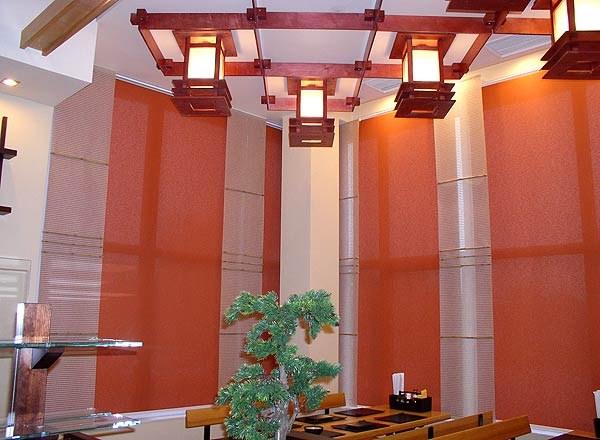 Японские шторы можно использовать в качестве перегородки