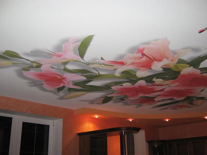 Как украсить потолок