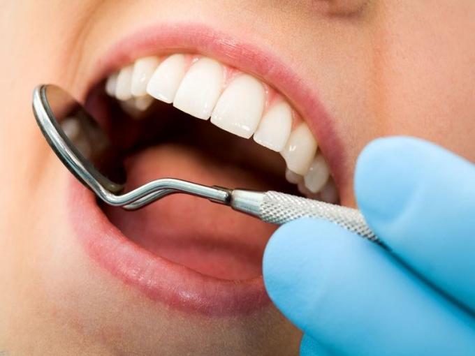 Какой зуб принято называть зубом мудрости