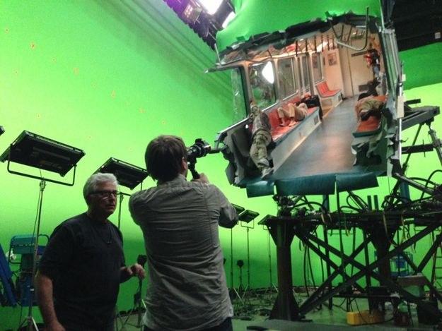 Съемки сцены с поездом в гавайском аэропорту