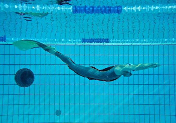 Как плыть под водой