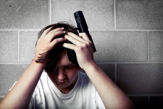 Как отговорить человека от самоубийства