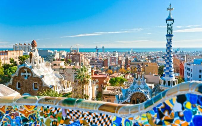 В какой стране находится Барселона