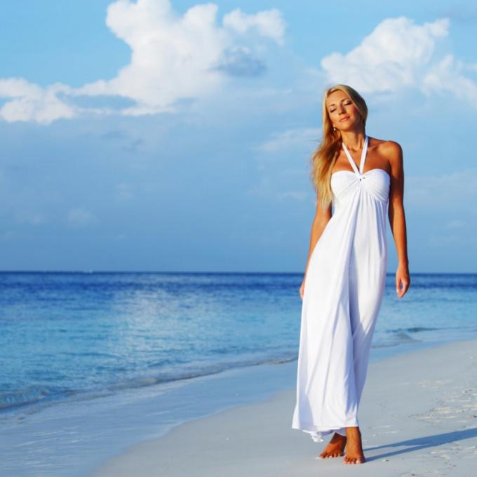Фото платье на пляже