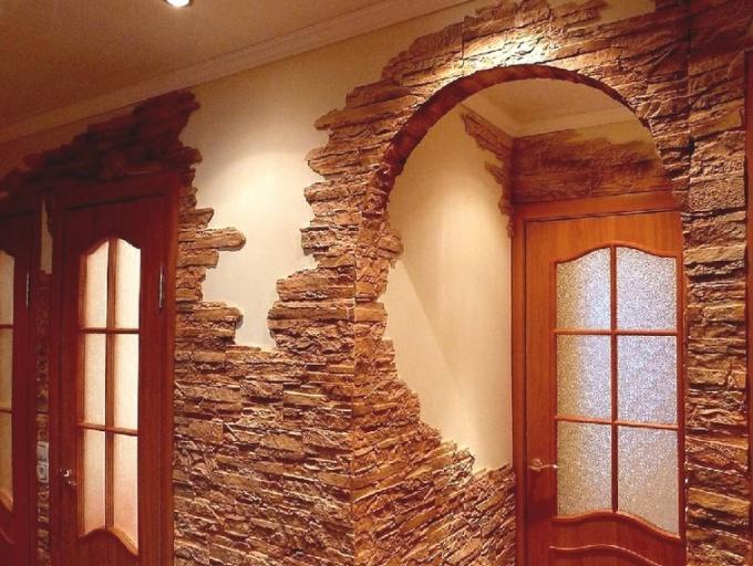 Как оформить коридор: отделка декоративным камнем