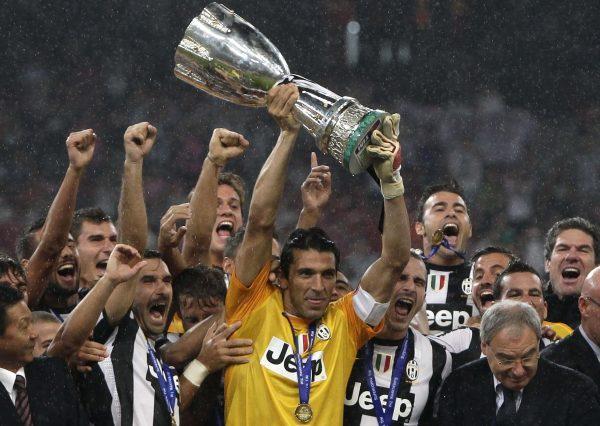 Какие футбольные команды поборются за Суперкубок Италии в 2014 году