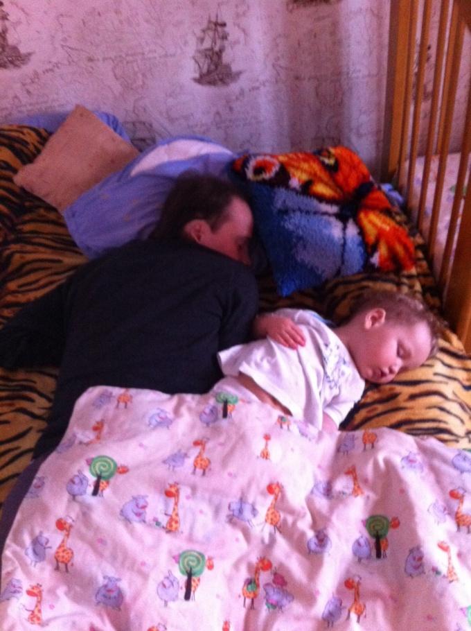 Когда переводить малыша на однократный дневной сон?