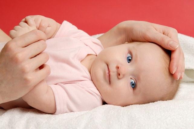 Как бороться с коликами у новорожденных