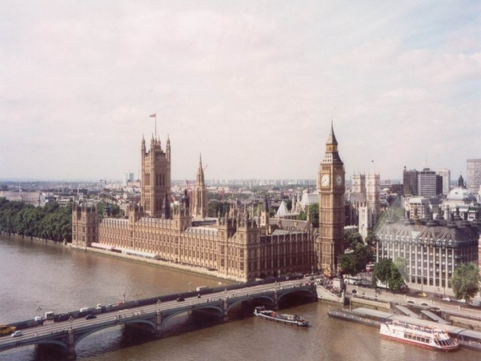 Какая средняя зарплата в Лондоне