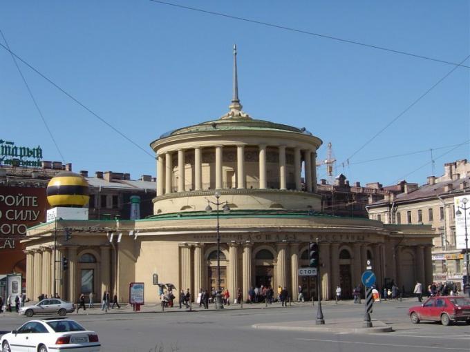 Метро - самый быстрый способ проехать по Петербургу