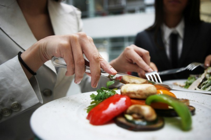 Что и как едят: этикет
