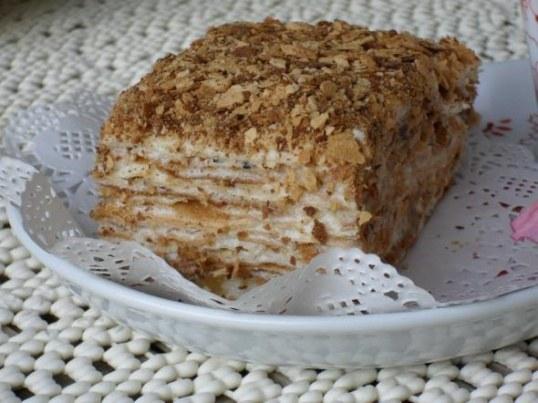 Типичный Наполеон - это торт, приготовленый согласно ГОСТу