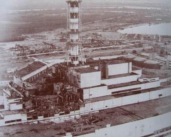 Чернобыльская АЭС и теперь смотрится зловеще