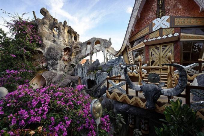 Удивительный дом Hang Nga во Вьетнаме