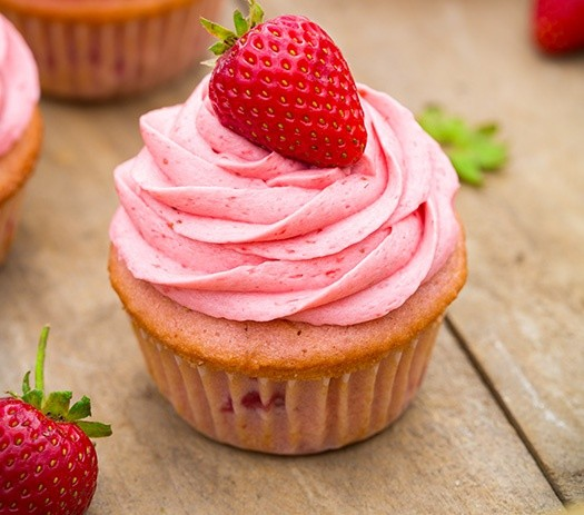 How to cook cupcakes with strawberries