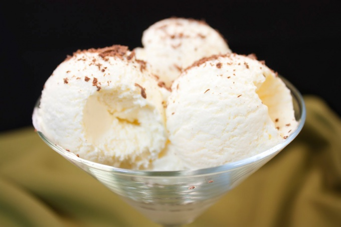 Как приготовить домашнее мороженое: делаем пломбир