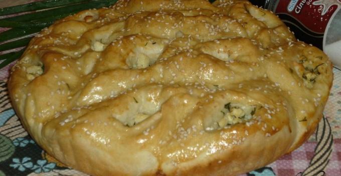 Пирог с брынзой и укропом