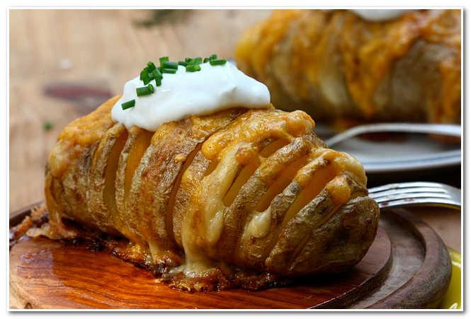 Как приготовить картофель, фаршированный пармезаном